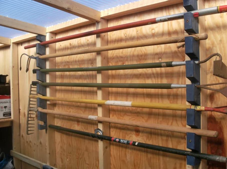 Free plans to build a handy Garden Tool Rack.