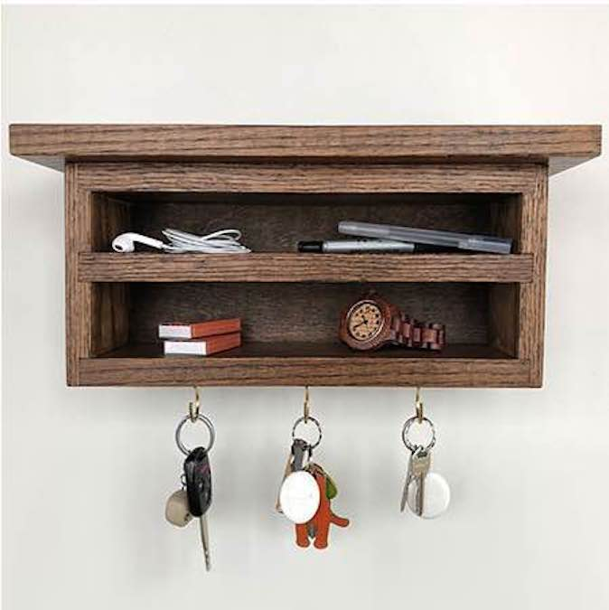 Free plans to build a Floating Key Holder.