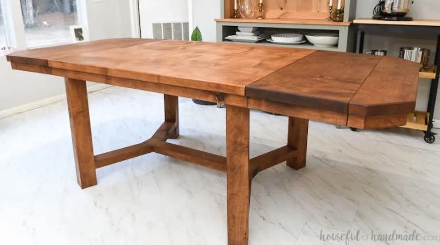 Build your own Dining Table With Leaves using free plans.