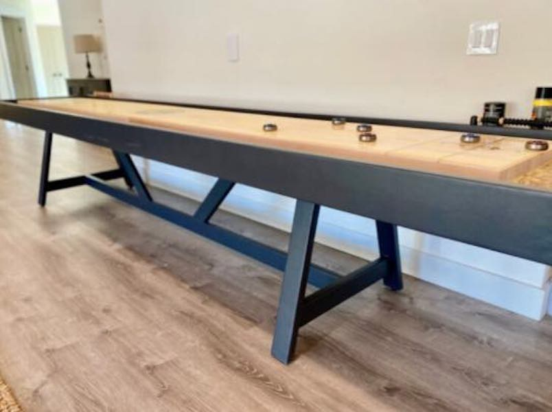 Free plans to build a Shuffleboard Table.
