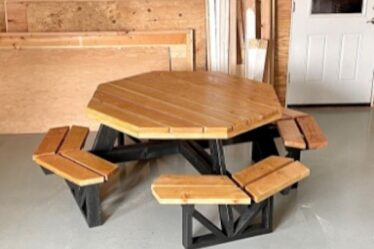 Build an Octagon Picnic table With Open Seats using free plans.