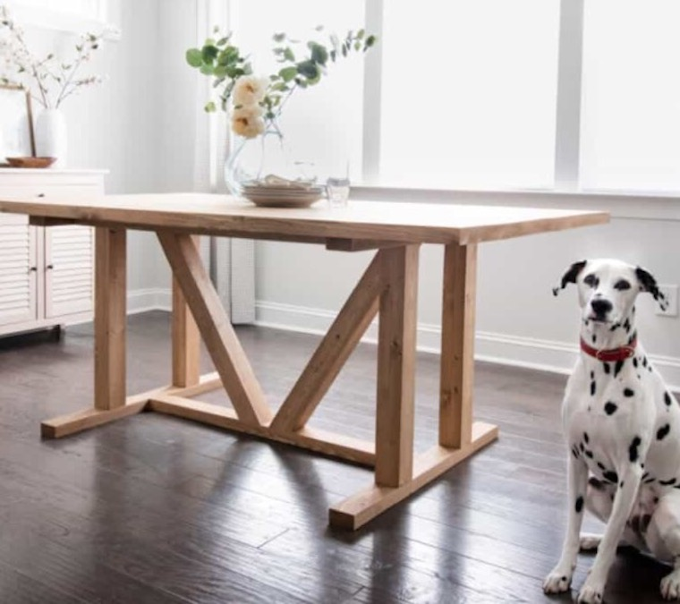 Free plans to build your own Dining Table.