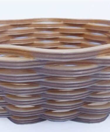 Free plans to build this Scroll Sawn Wicker-Style Basket.
