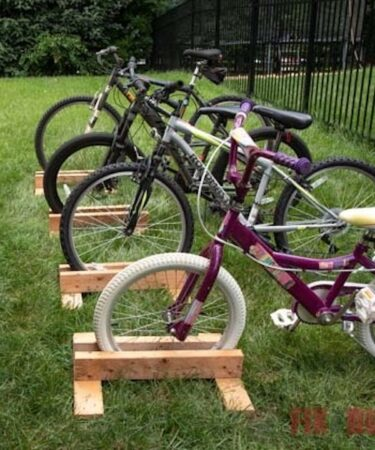 Free plans for a DIY Bike Stand.