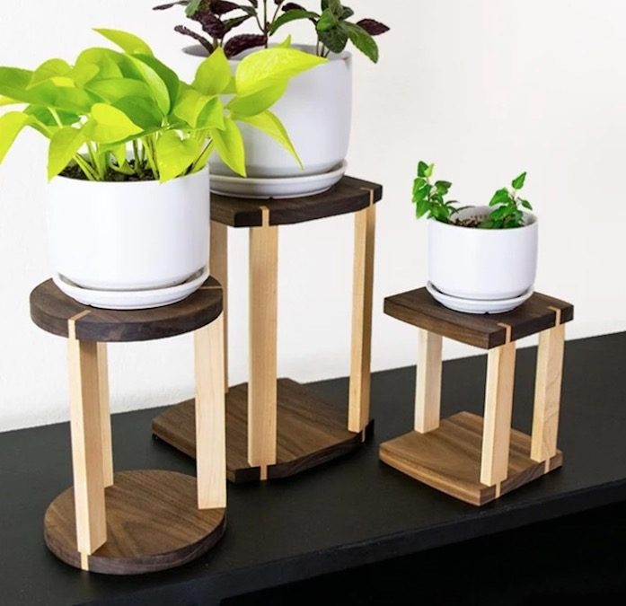 Build Modern Plant Stand using free plans.