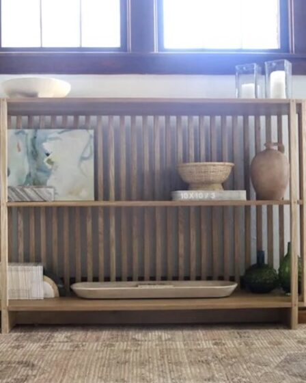 Free plans to build a Slatted Console Table.
