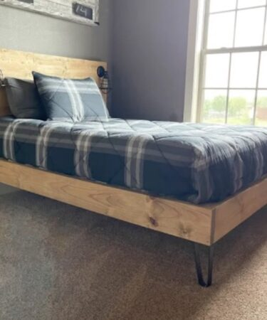 Free plans to build a Modern Full Size Bed.